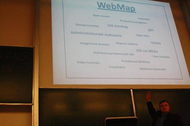 Milo Ofúkaný v úvode uviedol rôzne oblasti využitia WebMapu, foto: Monika Sedláková